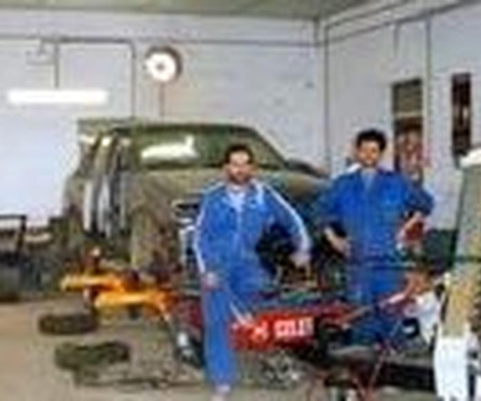 Chapa y pintura: Servicios de Talleres Jimena - Servicio Multimarca S.L.