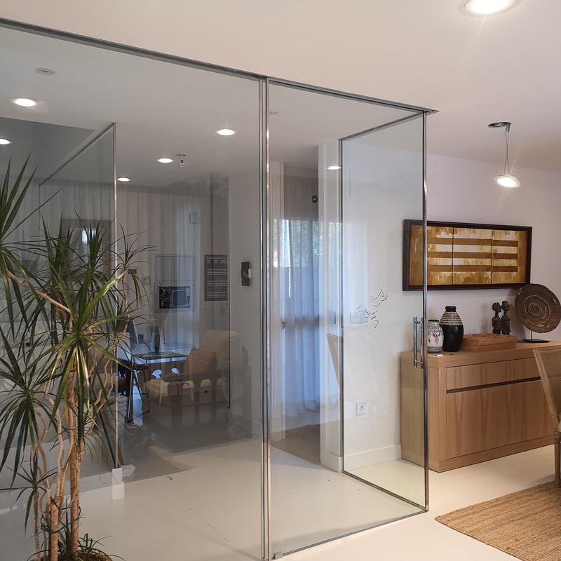 Puertas correderas de cristal:  de Cerrajería Vefergal