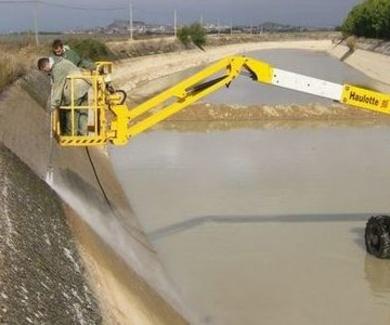 Limpieza de canales de riego