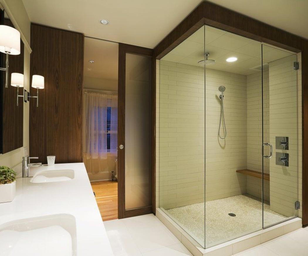 Mamparas de ducha ahumadas: una solución elegante para tu cuarto de baño