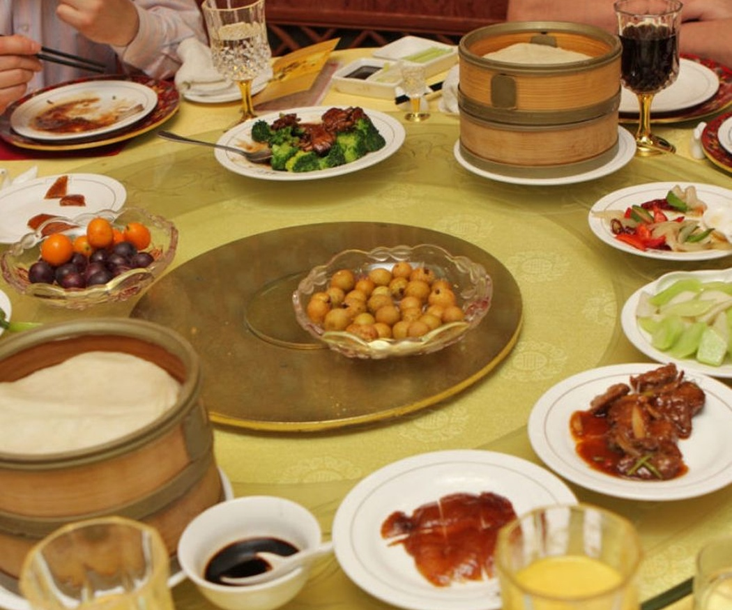 Ventajas de ir a comer a un oriental con tus amigos