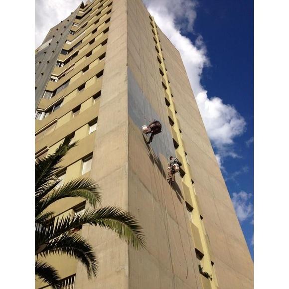 Rehabilitación y pintura de fachadas: Servicios de Rehabilitació de Façanes Synera