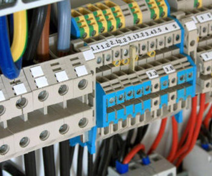 Mantenimiento de instalaciones eléctricas: Servicios de Instalaciones Eléctricas Davó
