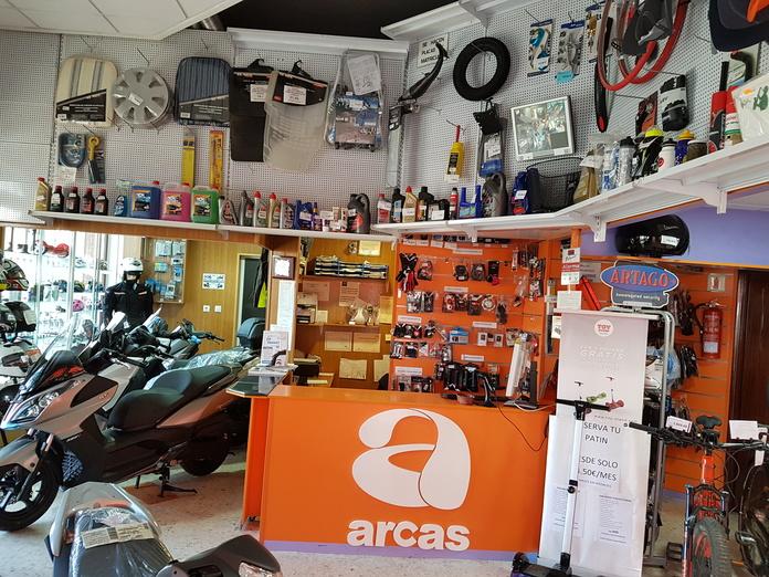 Tienda on-line: Productos y servicios de Arcas Motos y Bicis