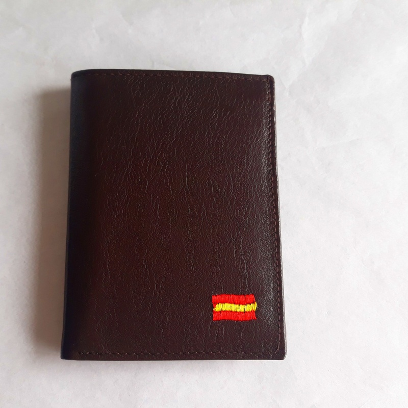Cartera de Caballero 831 BORDADO: Catálogo de M.G. Piel
