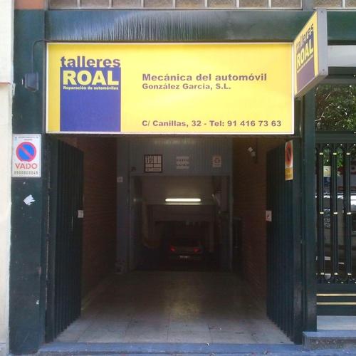 Entrada a las instalaciones