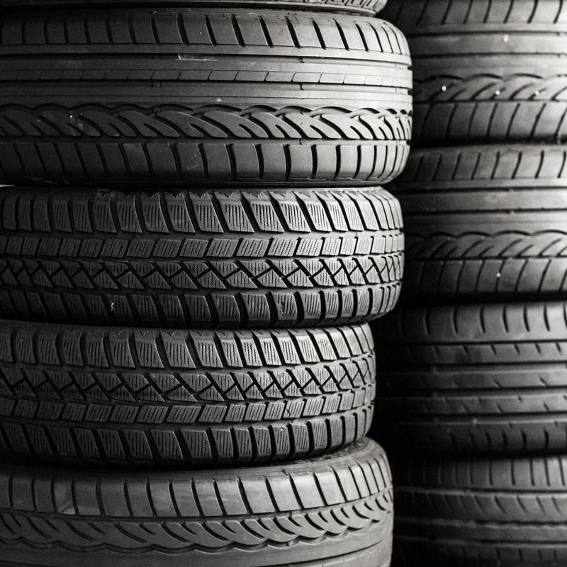Neumáticos: Servicios  de ANTONIO SANTIAGO FERNÁNDEZ