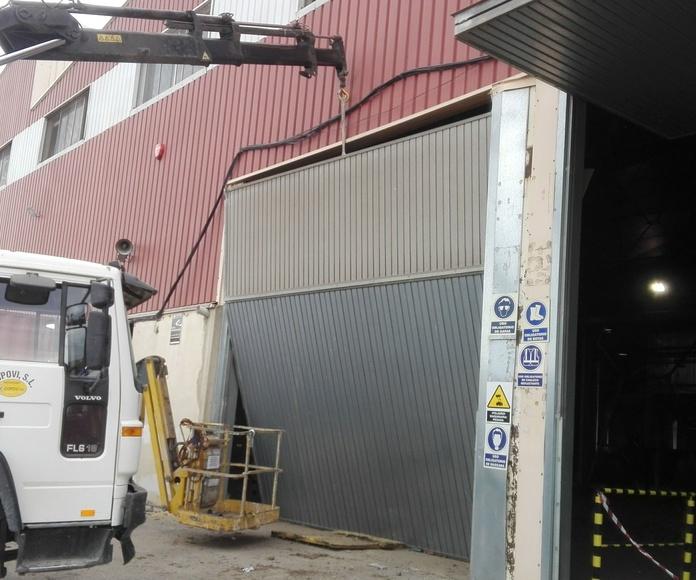 montaje puerta basculante pre leva  ROMANI Valencia5
