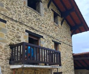 Balcon de hierro para caserio en Bizkaia