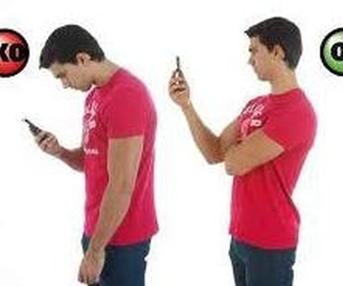 Postura del cuello usando el móvil