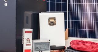 Kit fotovoltaico 3000W/día,   2700 €