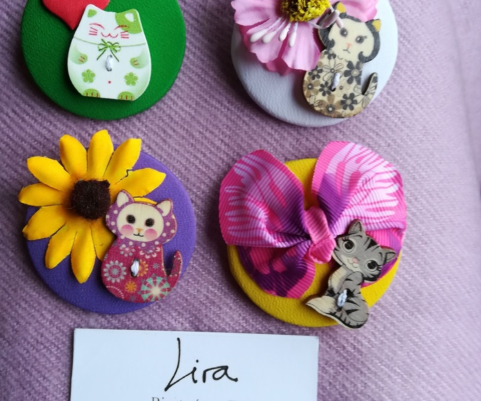 Para las amantes de los gatos: broches de Lira con preciosos gatos