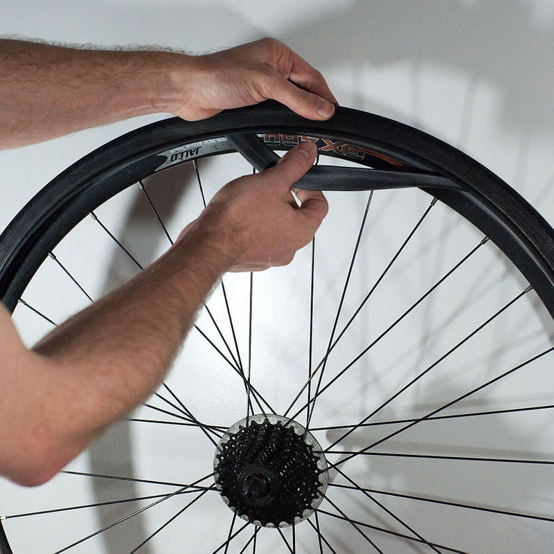 PINCHAZO EXPRESS:  de Bici + Fácil