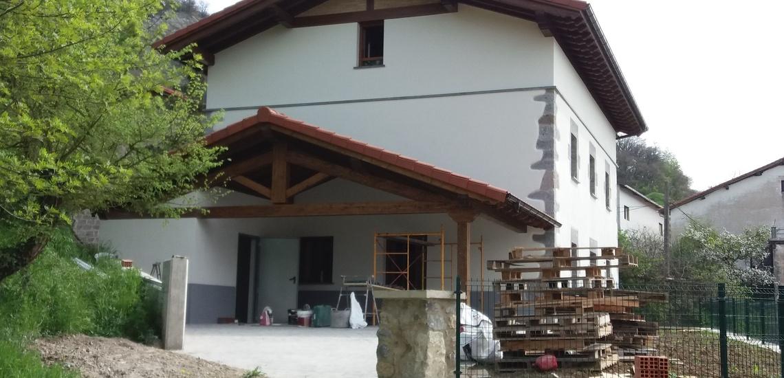 Rehabilitación y pintura de fachadas en Lekunberri