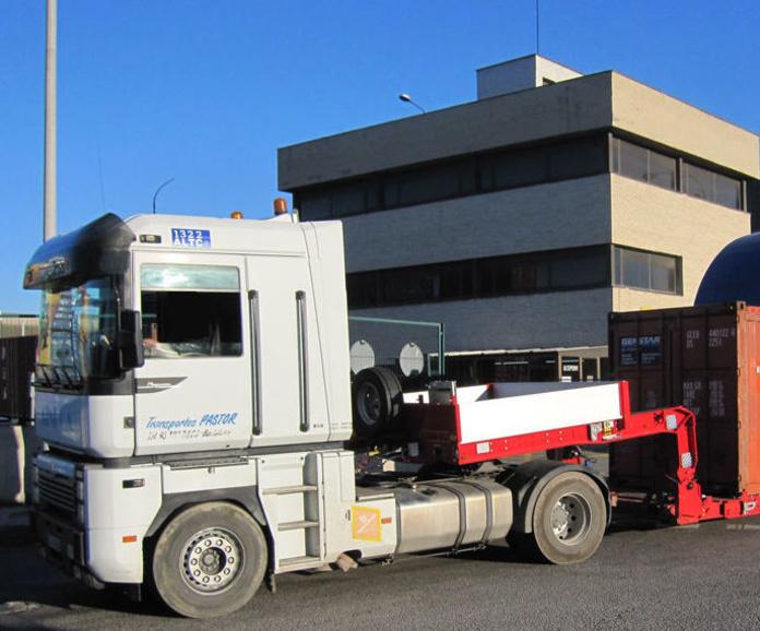 Tractoras de 6x2 : Servicios  de Transportes Pastor