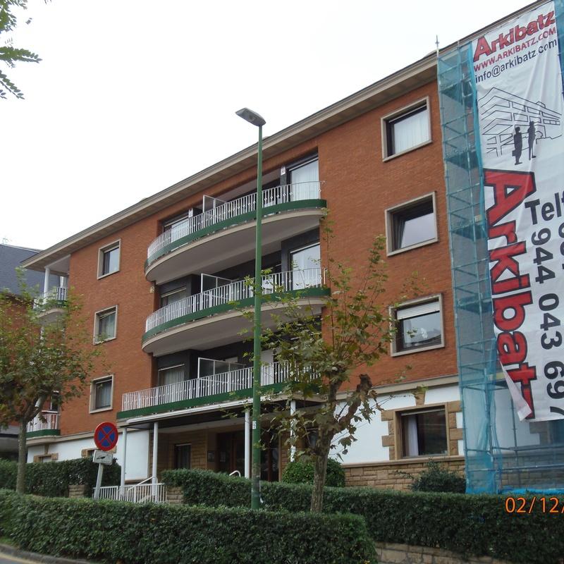 Reformas de fachadas: Servicios  of Arkibatz