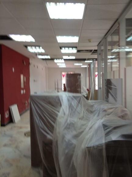 Trabajos de acondicionamiento en las oficinas de Philips Iberica S.A.U.