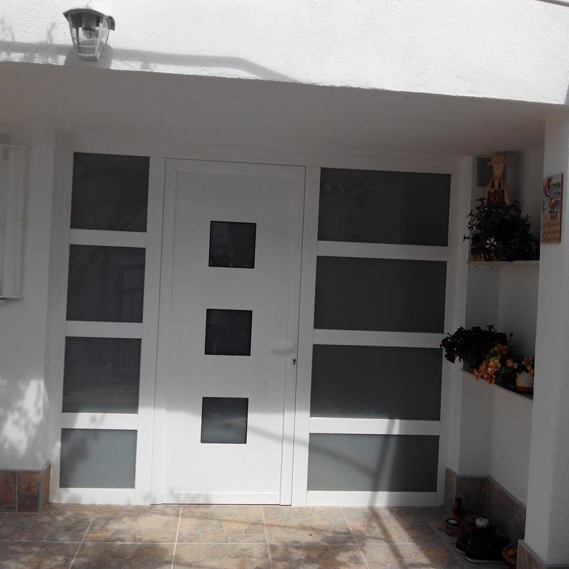 Puertas de exterior: Carpintería de aluminio de Laborda Tecnología del Aluminio, S.L.