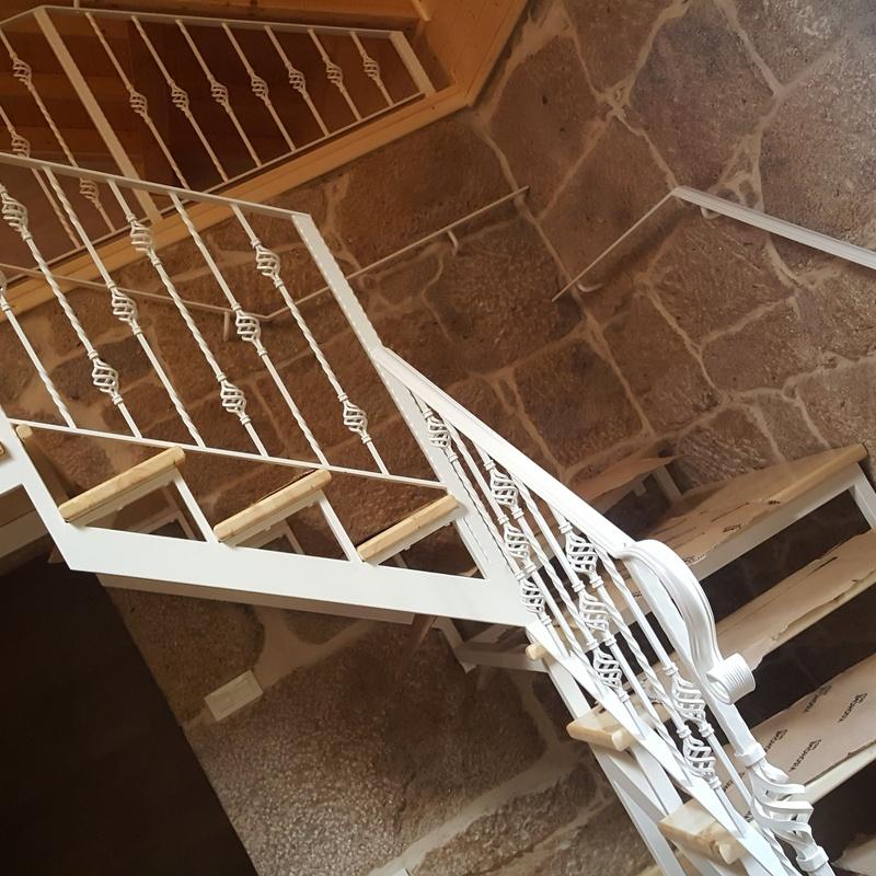 Escaleras: Productos y Servicios  de Carpintería Florencio Veiga