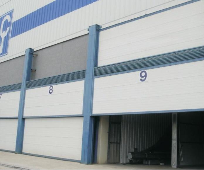 2 Hojas instaladas por el exterior