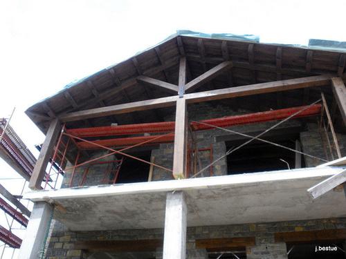 Fabricación de estructuras y cubiertas de madera
