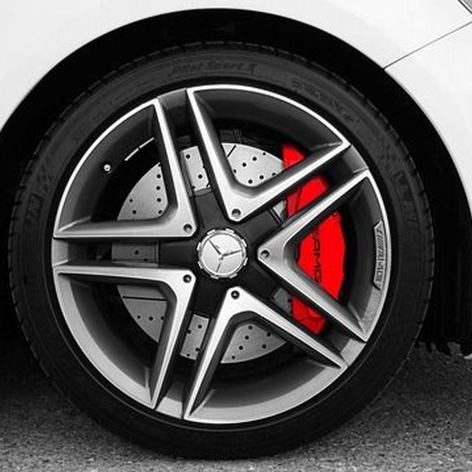 ¿Cómo actuar si los frenos de tu coche dejan de responder cuando estás en marcha?