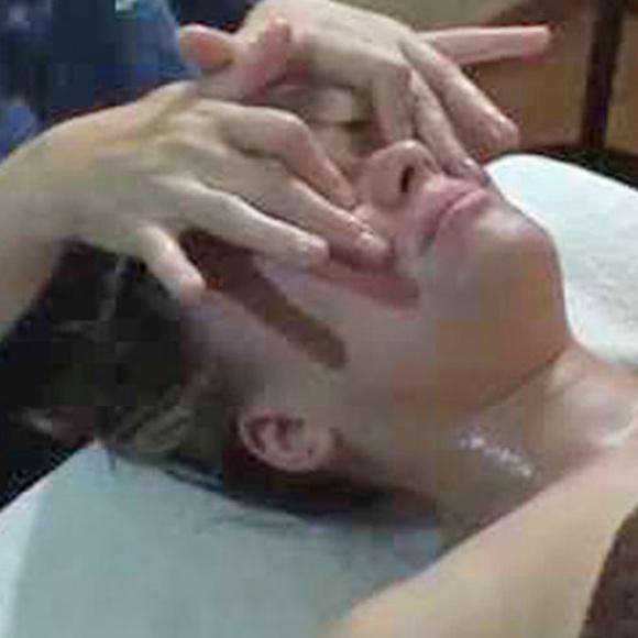 Masaje Craneofacial: Productos y Servicios de Centro de Masajes Fernanda