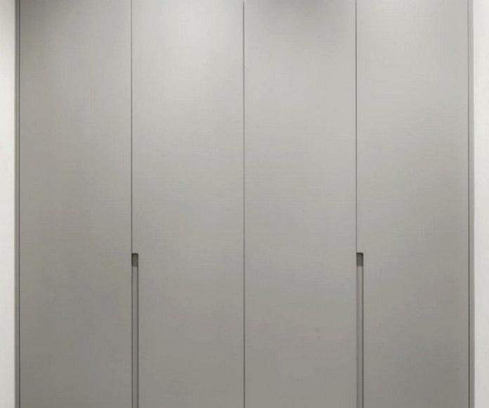 Puertas batientes: Catálogo de Estudio de cocinas y baños Jana