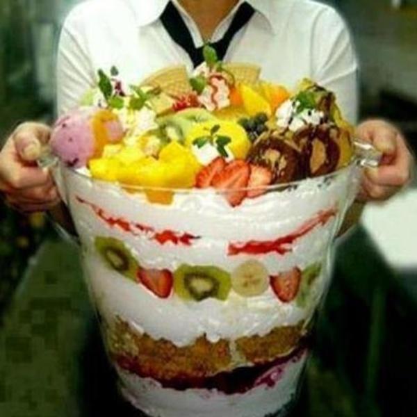 ¿Una copa de frutas para 50?