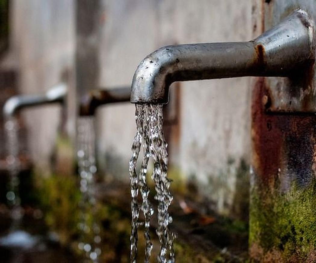¿Por qué es importante hacer un análisis de agua potable?