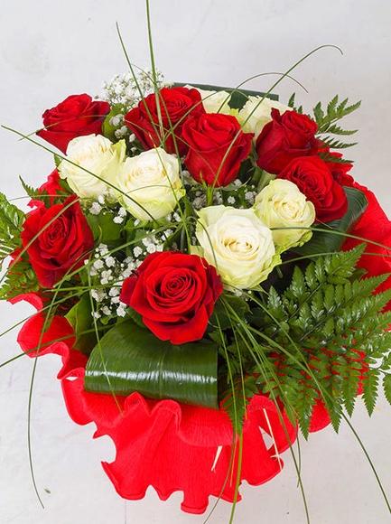 Ramo de 12 rosas: Catálogo de Regalos de Floresdalia.com