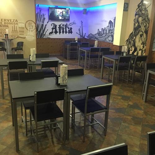 Cenas con espectáculo en Pinto - Cervecería Atila
