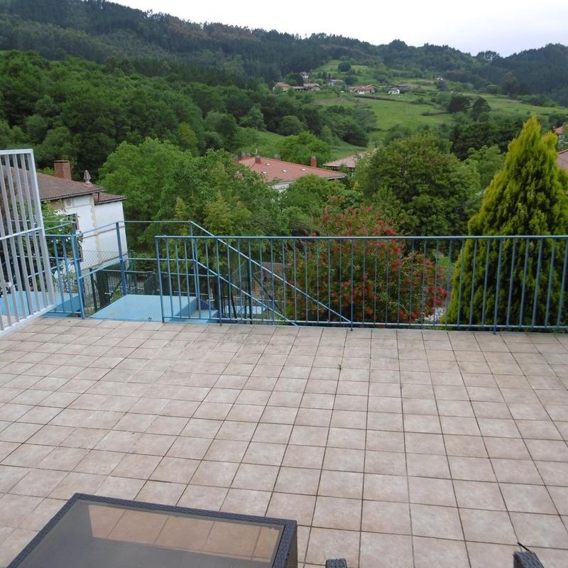 Chalet adosado en venta en Elexalde: Inmuebles de Inmobiliaria Lur Bermeo