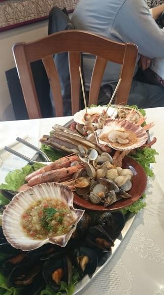 Mariscada gallega: Cocina marina de O Cruceiro