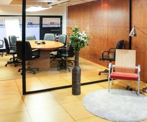 Oficina de Begoña Navarro, consultora inmobiliaria