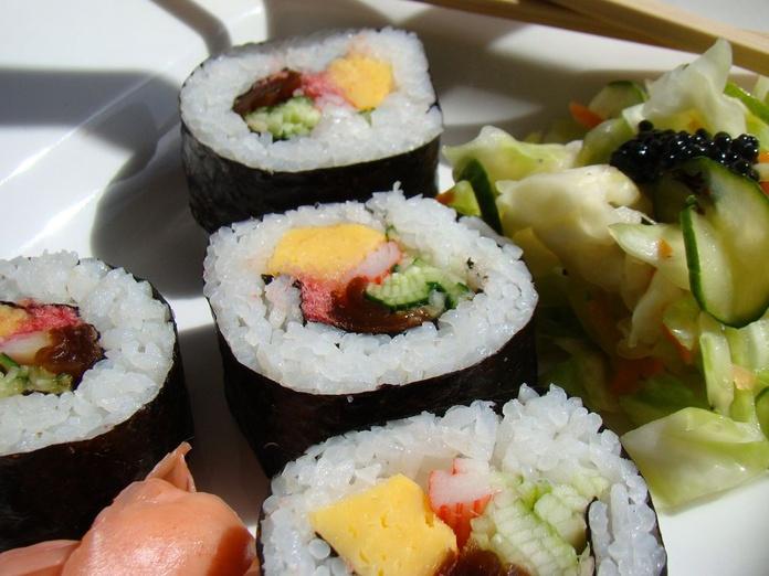 Futomaki (5 piezas): Menús de Kiniro Sushi