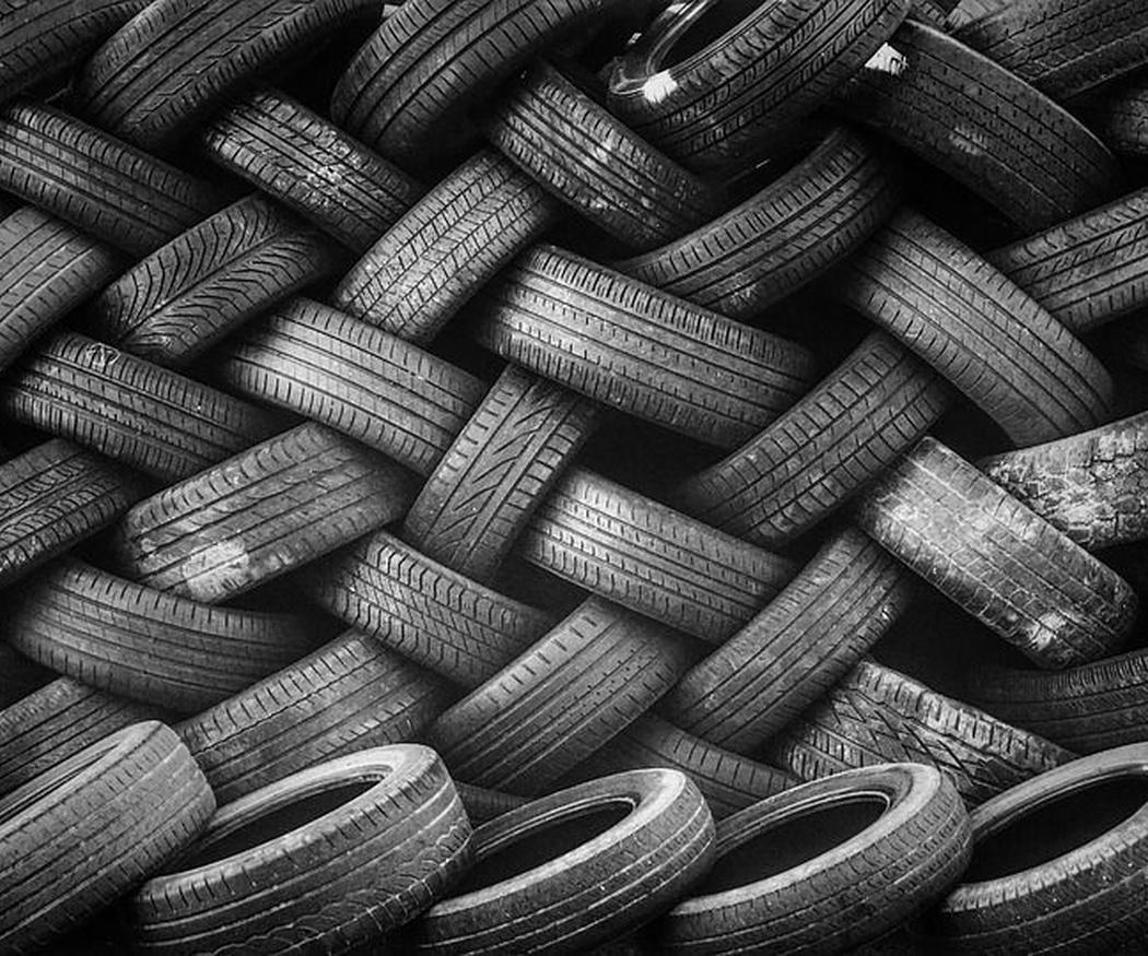 Qué se hace con los neumáticos usados