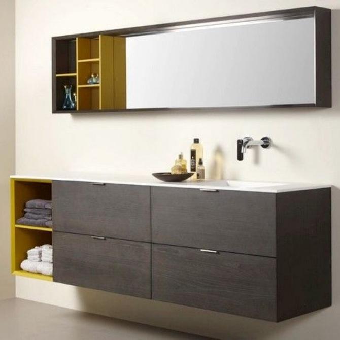 Elige blanco para los muebles del baño