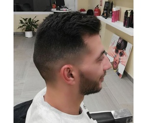 Corte degradado y barba