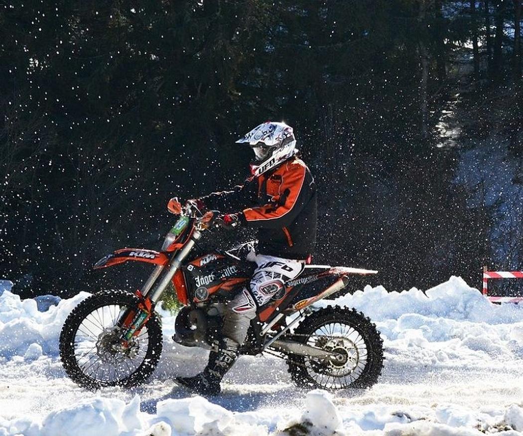 Vive el invierno con tu moto
