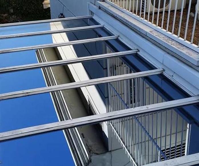 Limpieza en altura de techo acristalado
