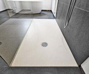 Pintura para platos de ducha de resina y lavabos