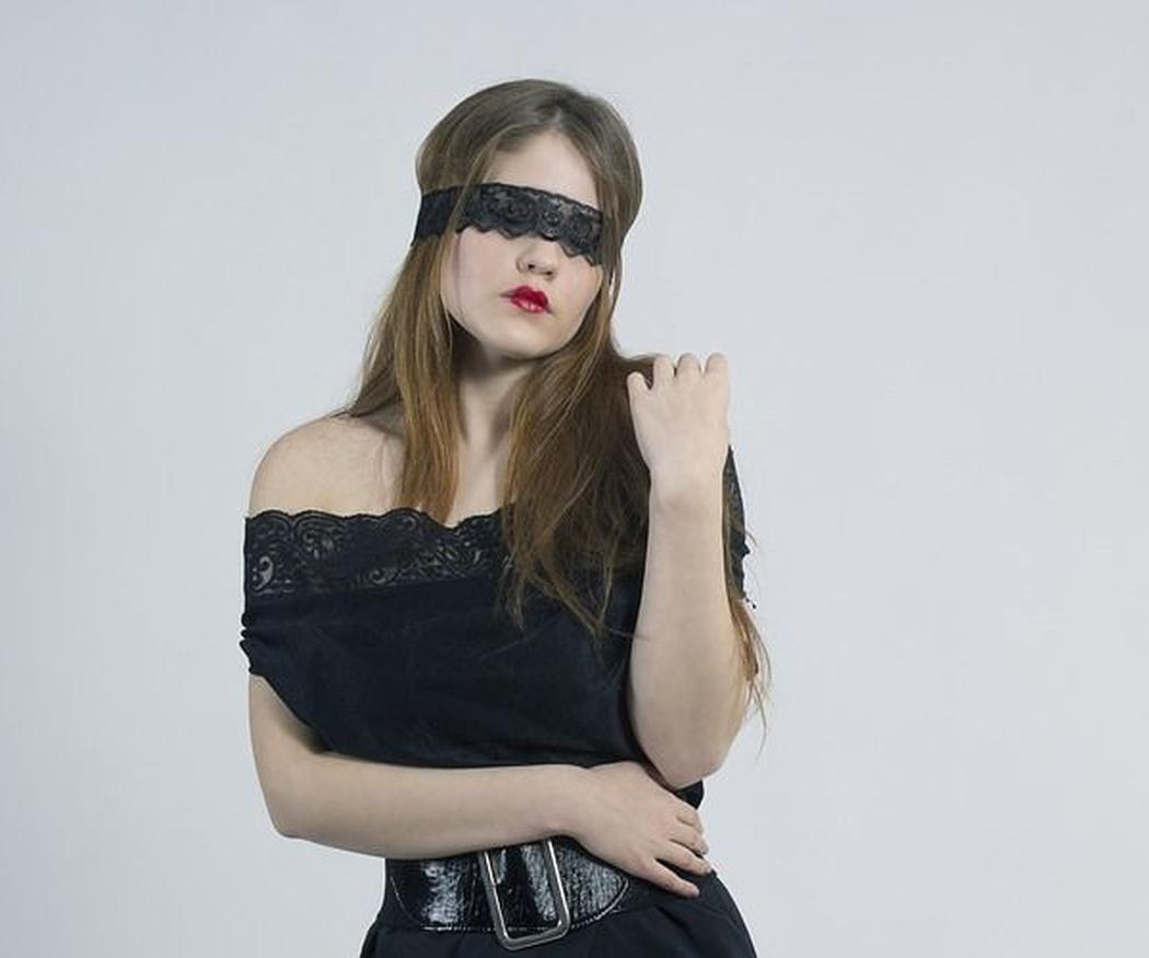 Por qué realizar con tu pareja sexo a ciegas