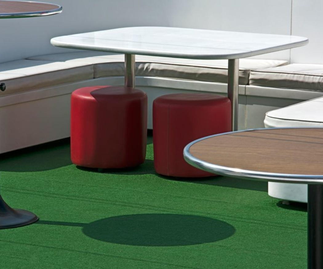 La moda del uso de césped artificial en las terrazas de hostelería