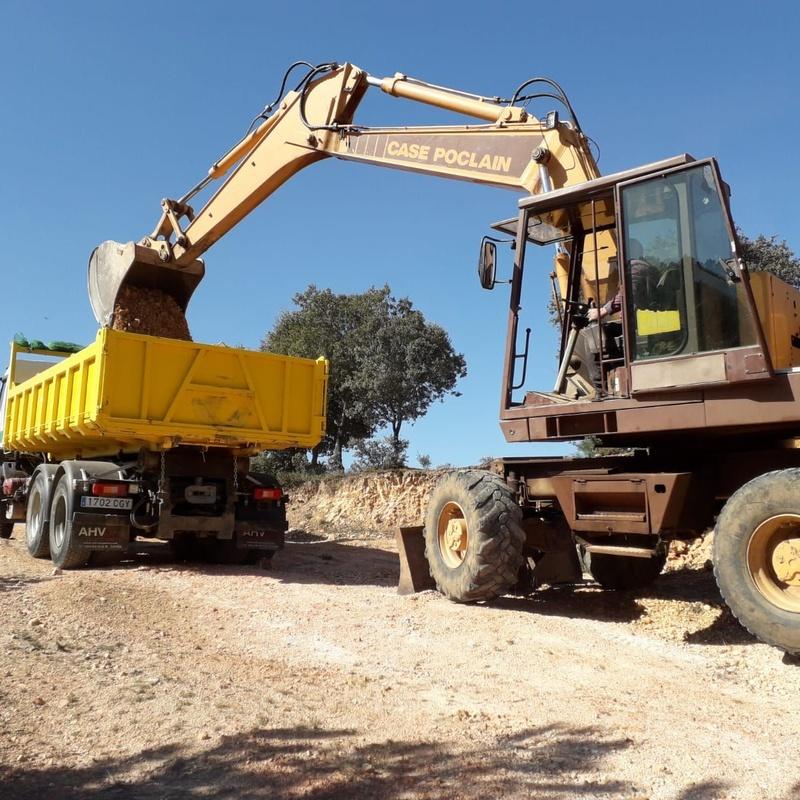 Tenemos la maquinaria adecuada para hacer excavaciones