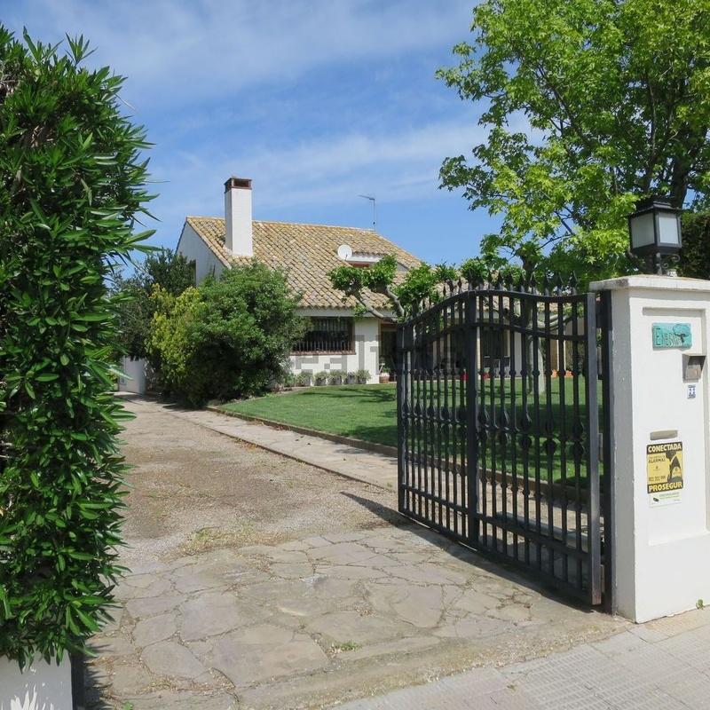 Torre Pinar Urbanización, chalet individual, 5 dormitorios, gran jardín: Inmuebles de Fincas Goya