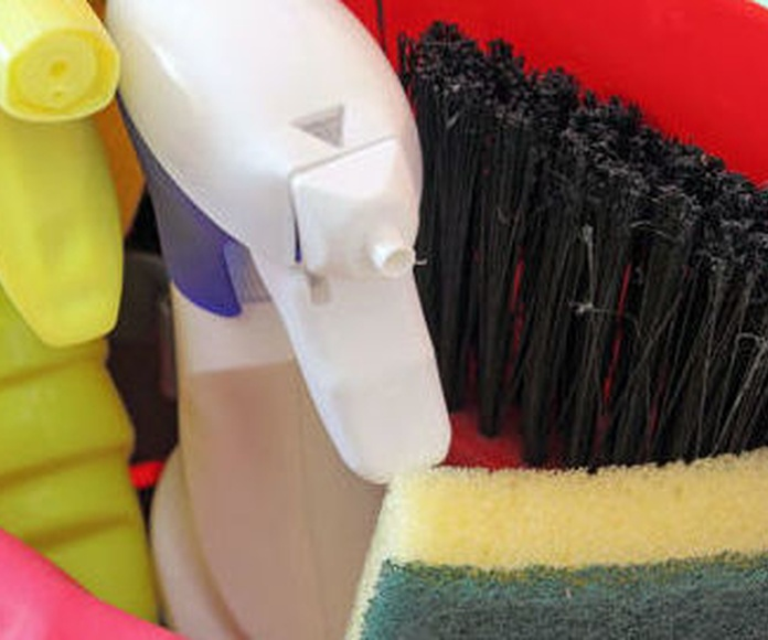 Mantenimiento comunidades: Servicios de Limpiezas Hermanos Guijarro