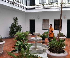 Limpieza de comunidades en Sevilla: Limpiezas Doble Jota