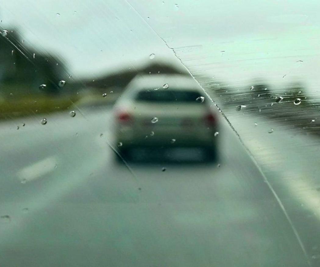Vigila estos aspectos de tu coche para conducir bajo la lluvia