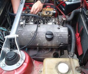 Reparación mecánica del automóvil